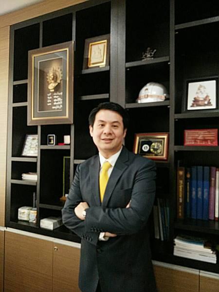 ศาสตราจารย์ ดร. อมร พิมานมาศ นายกสมาคมวิศวกรโครงสร้างไทย