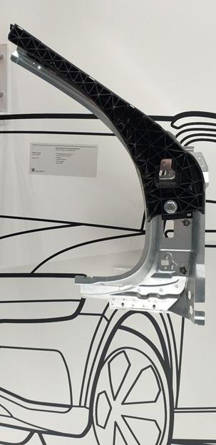 3D Hybrid ออกแบบโดยพอร์ช ผลิตจาก Tepex น้ำหนักเบาและแข็งแกร่งมาก
