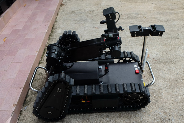 สกว.หนุนสร้าง'หุ่นยนต์ปืนยิงน้ำแรงดันสูง' ส่งทีมอบรมชุดทำลายวัตถุระเบิดลงพื้นที่ปัตตานี