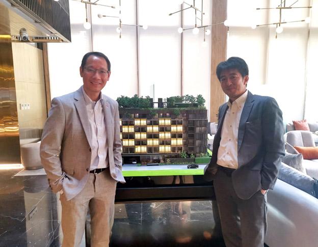 ชนินทร์ วานิชวงศ์ ประธานเจ้าหน้าที่บริหาร บริษัท ฮาบิแทท กรุ๊ป จำกัด และมาซาชิ ฮิกุจิ ประธานบริหาร บริษัท เจอาร์อี ดีเวลลอปเม้นท์ จำกัด