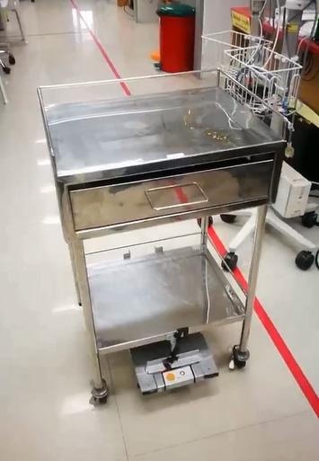 """Tham-Robot"""" หุ่นยนต์จัดส่งอุปกรณ์ทางการแพทย์"""