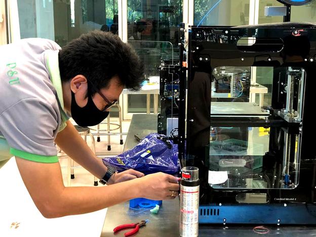 ทดลองพิมพ์ Face Shield ด้วยเครื่องพิมพ์ 3 มิติ