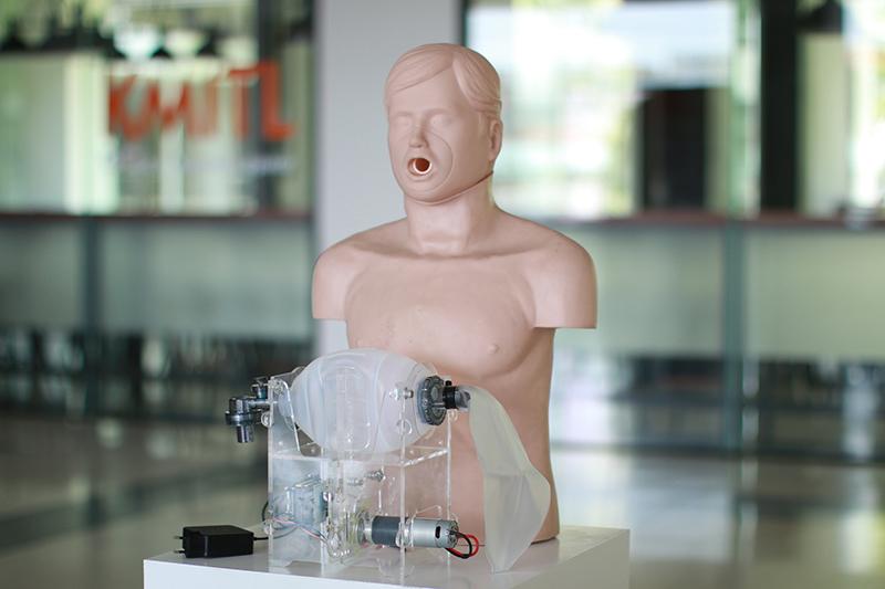 สจล. เตรียมส่งมอบเครื่องช่วยหายใจล็อตแรกแก่กทม. รองรับผู้ป่วย COVID ทุกระดับ พร้อมเปิดระดมทุนรับบริจาคเพื่อแจกจ่ายทั่วประเทศ