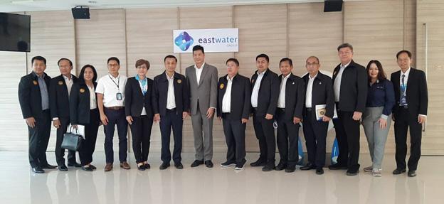 ดร.ทรงศักดิ์ ทองศรี (ที่6จากซ้าย) รัฐมนตรีช่วยว่าการกระทรวงมหาดไทย