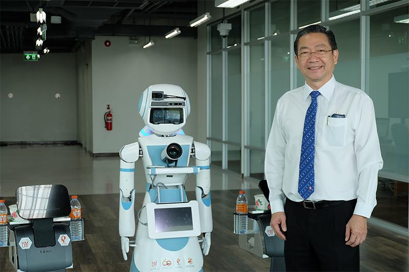 """""""ฟีโบ้"""" ติดตั้งระบบหุ่นยนต์ """"FACO"""" สู้ COVID-19 แห่งแรกที่รพ.รามาธิบดีจักรีนฤบดินทร์"""