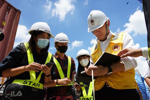 ตรวจสอบการก่อสร้างโครงการก่อสร้างสถานีรถไฟฟ้าสายสีชมพู