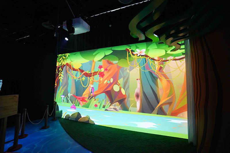 """เลเซอร์โปรเจกเตอร์ ในงาน """"House of Illumination"""" สร้างประสบการณ์ใหม่ในการชมงานศิลปะดิจิทัล"""