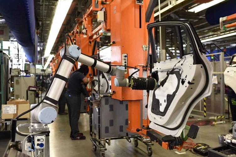 อุตสาหกรรมยานยนต์ในไทยปี'64 เติบโต หนุนการใช้หุ่นยนต์โคบอททะยานสูงขึ้น