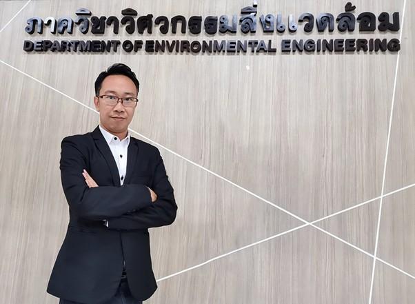 ผศ.ดร.ประพัทธ์ พงษ์เกียรติกุล หัวหน้าภาควิชาวิศวกรรมสิ่งแวดล้อม คณะวิศวกรรมศาสตร์ มหาวิทยาลัยเทคโนโลยีพระจอมเกล้าธนบุรี (มจธ.) และในฐานะนักวิจัยด้านแบบจำลองเพื่อทำนายการเคลื่อนที่ของอากาศ