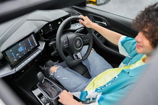 """เอ็มจี เปิดตัว """"ALL NEW MG5"""" รถยนต์สไตล์สปอร์ตคูเป้ซีดาน ชูแนวคิด """"BEYOND"""" พร้อมฟังก์ชั่นกุญแจดิจิทัล ตอบโจทย์คนรุ่นใหม่ ตลาดอุตสาหกรรมไทย นวัตกรรมอุตสาหกรรมไทย พัฒนาอุตสาหกรรมไทยให้ก้าวหน้า engineeringtoday 78"""