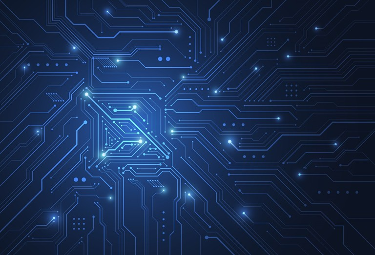บีโอไอ เร่งลงทุนเทคโนโลยีขั้นสูง  เพิ่มสิทธิประโยชน์ 'เซมิคอนดักเตอร์ - ดิจิทัล – บรรจุภัณฑ์อัจฉริยะ'    บอร์ดบีโอไอเดินหน้าปรับปรุงนโยบายเพิ่มสิทธิประโยชน์จูงใจให้เกิดกิจกรรมวิจัยพัฒนา และการฝึกอบรม เพิ่มขีดความสามารถในการแข่งขัน พร้อมเร่งรัดการลงทุนในอุตสาหกรรมเซมิคอนดักเตอร์ซึ่งกำลังขยายตัว  หนุนอุตสาหกรรมดิจิทัล มุ่งสร้างบุคลากรด้านไอที พร้อมเปิดส่งเสริมประเภทกิจการใหม่ด้านบรรจุภัณฑ์อัจฉริยะรองรับการพัฒนาเทคโนโลยีและนวัตกรรมที่เป็นมิตรต่อสิ่งแวดล้อมตามแนวคิด BCG (Bio – Circular-Green Economy)     กรุงเทพฯ -  30 มิถุนายน 2564 ดวงใจ อัศวจินตจิตร์ เลขาธิการคณะกรรมการส่งเสริมการลงทุน หรือ บีโอไอ กล่าวว่า  วันที่ 30 มิถุนายน 2564  ที่ประชุมคณะกรรมการส่งเสริมการลงทุน ซึ่งมี พล.อ.ประยุทธ์ จันทร์โอชา นายกรัฐมนตรีเป็นประธาน ได้พิจารณาเห็นชอบปรับปรุงมาตรการและประเภทกิจการการส่งเสริมการลงทุนในหลายมาตรการเพื่อเร่งเพิ่มขีดความสามารถในการแข่งขัน ดังนี้  ประการแรก ปรับปรุงสิทธิและประโยชน์เพิ่มเติมตามคุณค่าของโครงการ (Merit-based Incentives) เพื่อพัฒนาความสามารถในการแข่งขันในหลายประเด็น ได้แก่ 1)กรณีที่มีการลงทุนด้านวิจัยและพัฒนา (R&D) ไม่น้อยกว่าร้อยละ 1 ของยอดขายรวม 3 ปีแรก หรือไม่น้อยกว่า 200 ล้านบาท นอกจากจะได้จำนวนปียกเว้นภาษีเงินได้นิติบุคคลเพิ่มขึ้นอีกไม่เกิน 5 ปี ตามขนาดการลงทุนและค่าใช้จ่ายด้านวิจัยและพัฒนาแล้ว ยังไม่กำหนดเพดานการยกเว้นภาษีเงินได้อีกด้วย  2) ยังเพิ่มวงเงินยกเว้นภาษีเงินได้นิติบุคคลเป็น 2 เท่า สำหรับกรณีที่มีการลงทุนเพิ่มในการฝึกอบรม หรือฝึกการทำงานเพื่อพัฒนาทักษะเทคโนโลยีและนวัตกรรมให้กับนักศึกษาที่อยู่ระหว่างการศึกษาในด้านวิทยาศาสตร์และเทคโนโลยี เพื่อจูงใจให้ผู้ประกอบการเข้ามามีส่วนร่วมในการพัฒนาคนมากขึ้น 3) กรณีที่เงินลงทุนหรือค่าใช้จ่ายที่เข้าข่าย เช่น วิจัยพัฒนา ฝึกอบรม ออกแบบ และพัฒนา Supplier ไม่ถึงเกณฑ์ขั้นต่ำ ก็ยังจะได้รับวงเงินยกเว้นภาษีเงินได้เพิ่มขึ้นเป็นสัดส่วนตามเงินลงทุนหรือค่าใช้จ่ายเหล่านี้   ดวงใจ อัศวจินตจิตร์ เลขาธิการคณะกรรมการส่งเสริมการลงทุน หรือ บีโอไอ ประการที่สอง เพื่อสนับสนุนให้เกิดการลงทุนในอุตสาหกรรมต้นน้ำของอิเล็กทรอนิกส์ บีโอไอได้ปรับปรุงการส่งเสริมการลงทุนอุตสาหกรรมการผลิตเวเฟอร์ที่ใช้เงินลงทุนสูง และใช้เทคโนโลยีและนวัตกร
